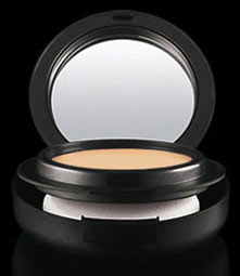mac-mineralize-foundation-spf-15