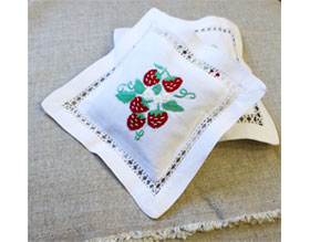 nora-sachet-strawberry