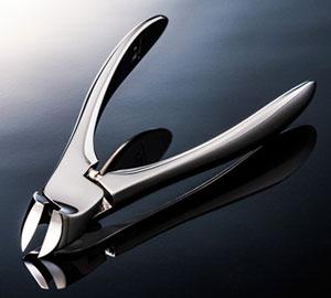 suwada-nail-clippers-mirror
