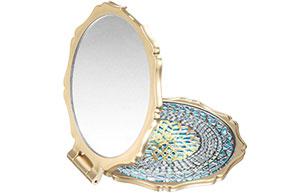 anna-sui-luxury-beauty-mirror