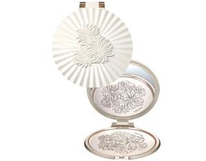 paul-joe-beaute-beauty-mirror
