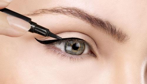 eyeliner_coat